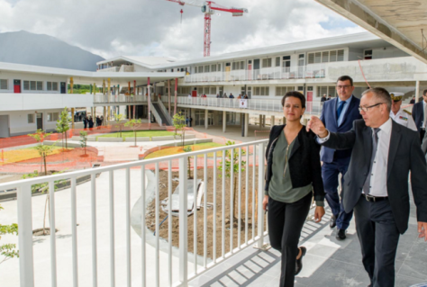La ministre de l'Education nationale en visite au lycée du Mont Dore