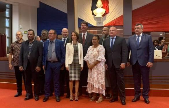 LE GOUVERNEMENT COMPLÈTEMENT EN ORDRE DE MARCHE : Secteurs attribués, Vice-président élu