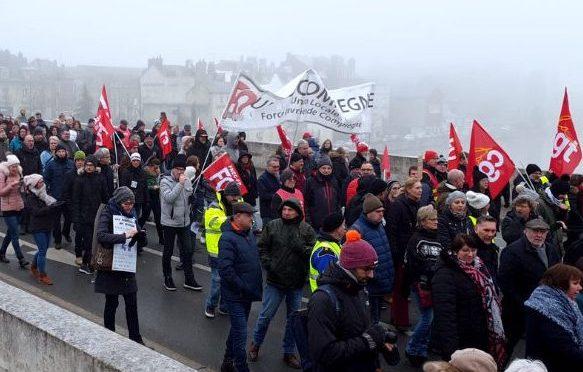 800 000 MANIFESTANTS DANS TOUTE LA FRANCE
